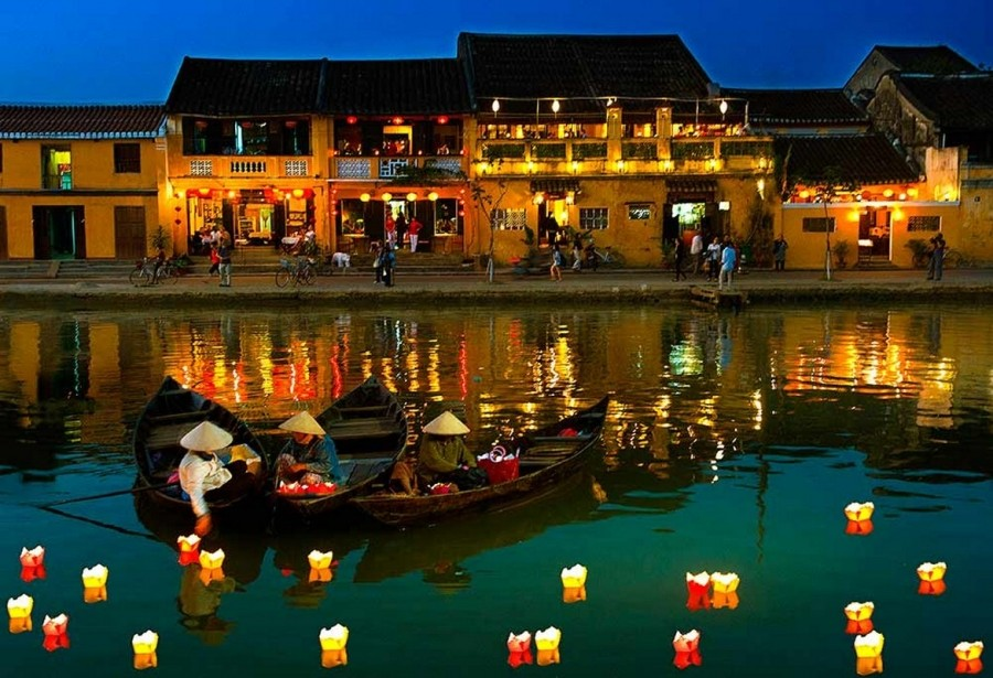 EXPERIENCE TRAVELING FROM DA NANG TO HOI AN