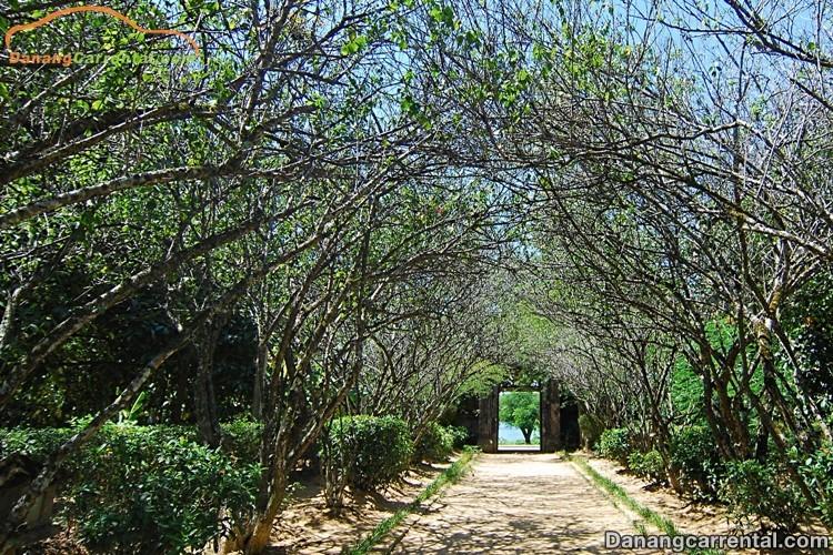 Entrance to An Hien Garden House