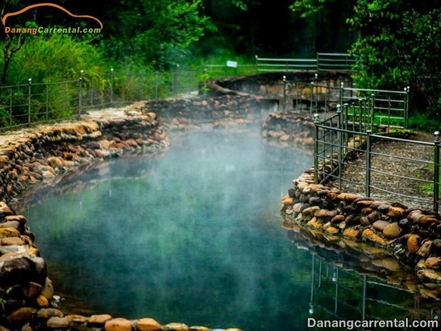 Thanh Tan hot spring resort