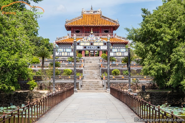 Ticket price to visit Minh Mang mausoleum