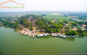 Discover the beauty of Thien Mu pagoda