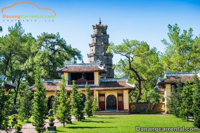 The vow of love Thien Mu pagoda