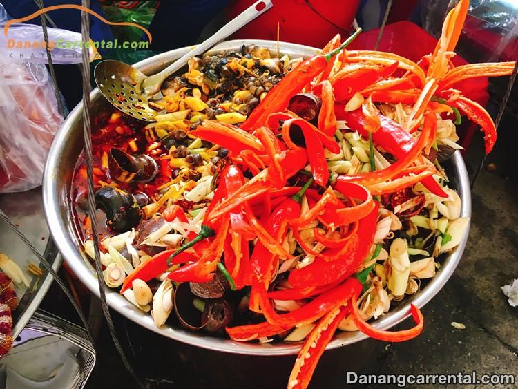 delicious foods in Con market of Da Nang