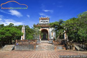 Discovering Tu Duc Tomb – The Most Tourist Attractions In Hue