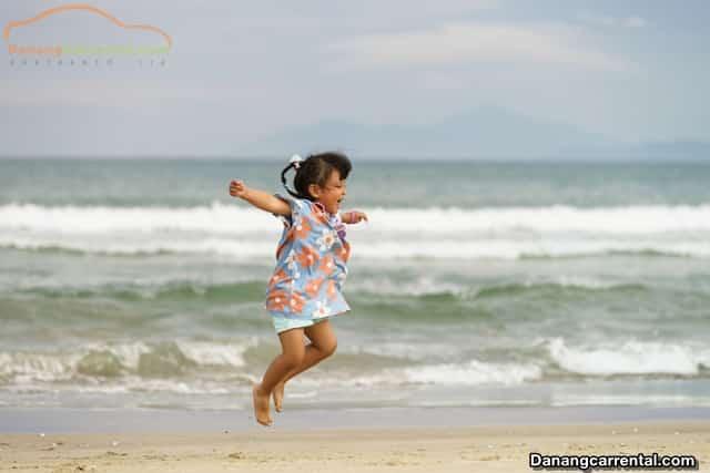 beautiful beach in da nang